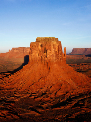 Crownless: The Fallen World
