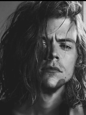 Golden (A Harry Styles fanfic)
